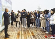 """山西省偏关县:发展光伏产业 """"照亮""""脱贫攻坚路(图)"""