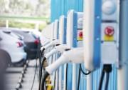 公共充电桩数量翻倍 充电桩行业迎考车市寒冬